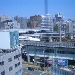 ユニゾーン新大阪廊下の窓より